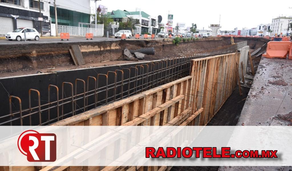 Avanza reparación de deslave en distribuidor vial Mil Cumbres