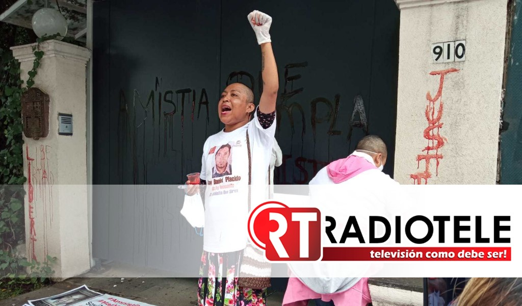 Con sangre humana, piden se cumpla la Ley de Amnistía en México