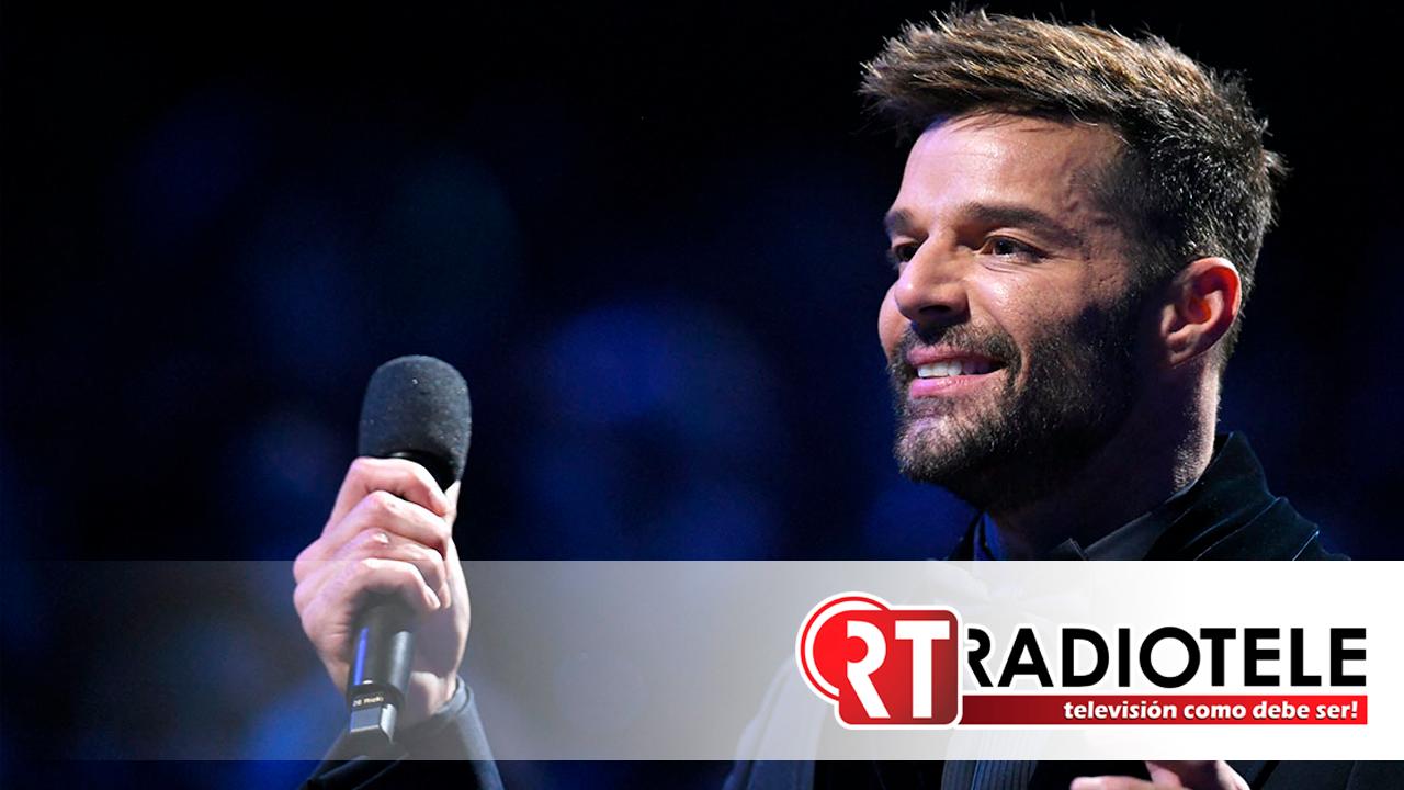 Ricky Martin envía mensaje a opositores de la vacuna COVID-19