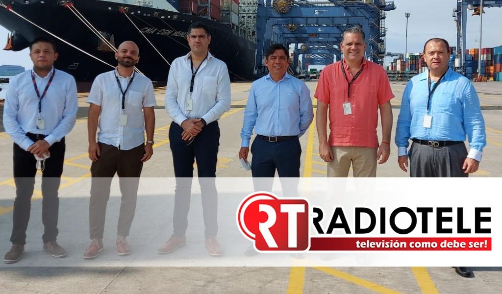 Visita titular de Sedeco empresas en el puerto Lázaro Cárdenas