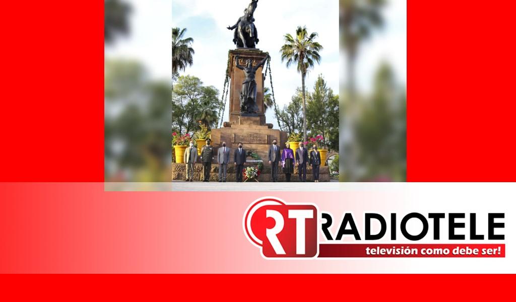 Conmemoran Natalicio de José María Morelos y Pavón con ofrendas