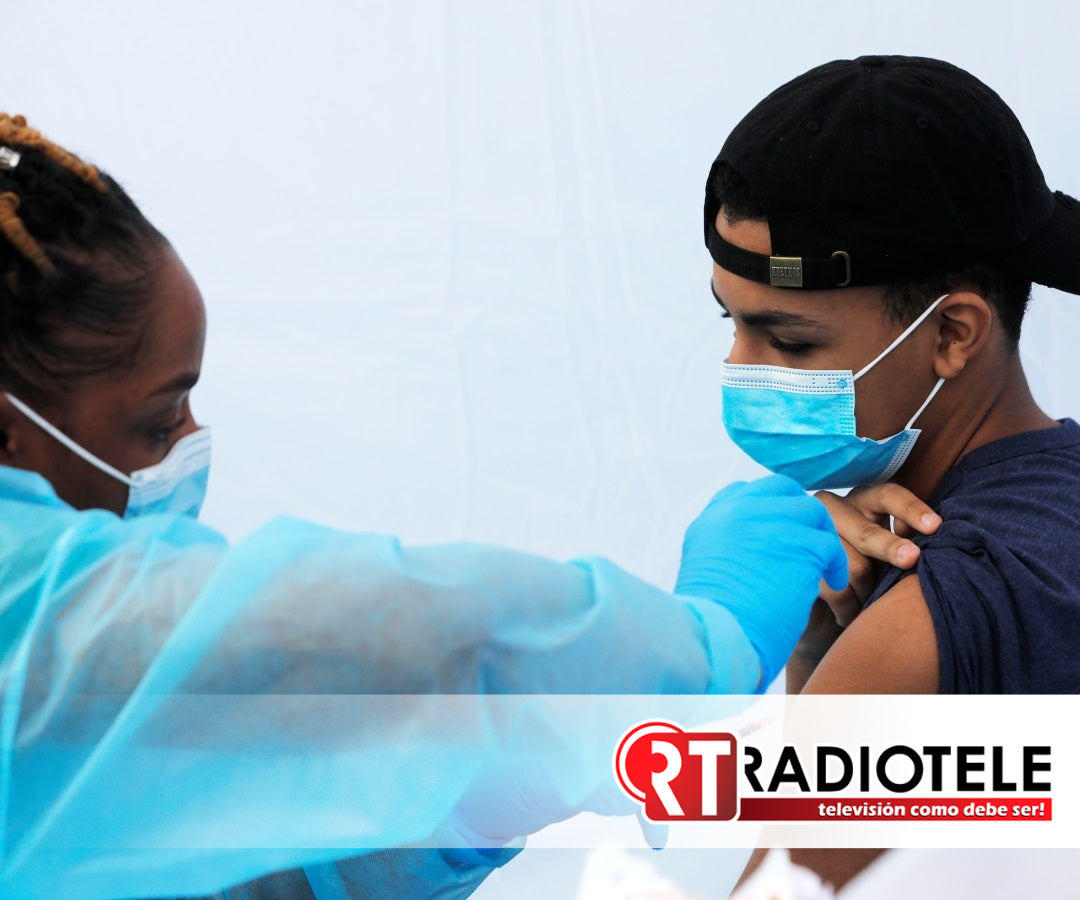 Comienza vacunación a menores de edad en Michoacán