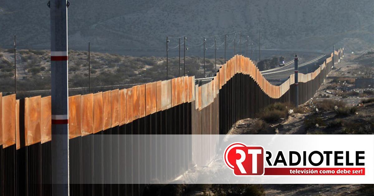 Miles de paneles reservados al muro fronterizo, sin utilizar